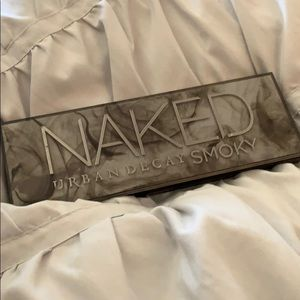 Naked Urban Decay Smoky Pallet